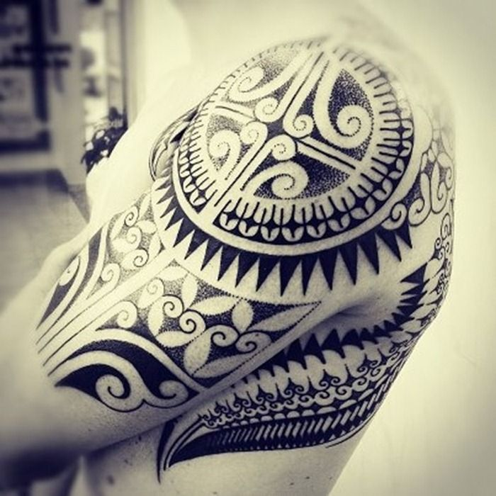 This is cool. Another idea is to do something with like just the delt at first like the round part on this tat. Then add later if I want