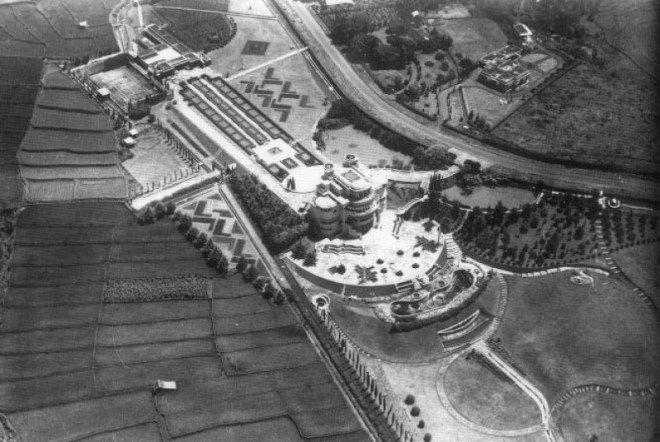 villa isola bandung 1938