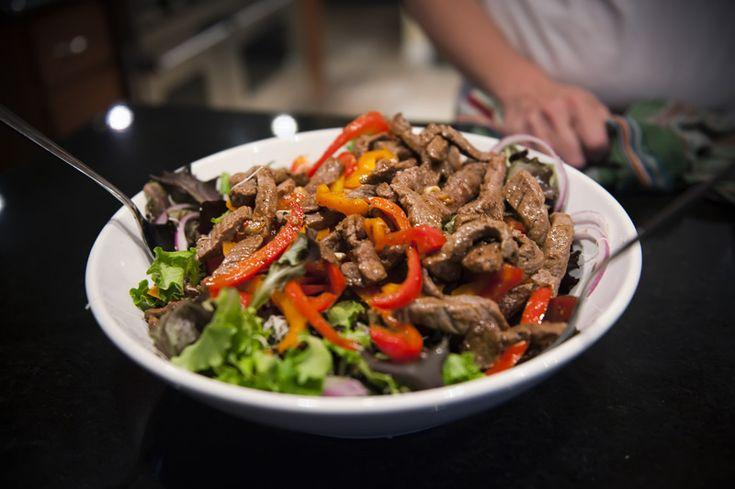 Mediterranean Steak Salad...South Beach Diet Phase 1 (soooo good! add salt, pepper, and garlic salt to meat)