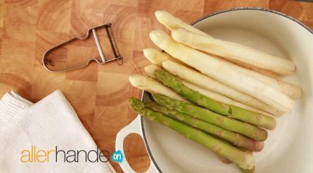 Noedelsoep met asperges en noten - Recept - Allerhande - Albert Heijn