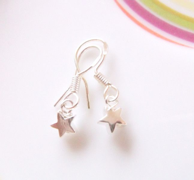 Mini+Silver+Star+Earrings+from+ClutchandClasp+by+DaWanda.com
