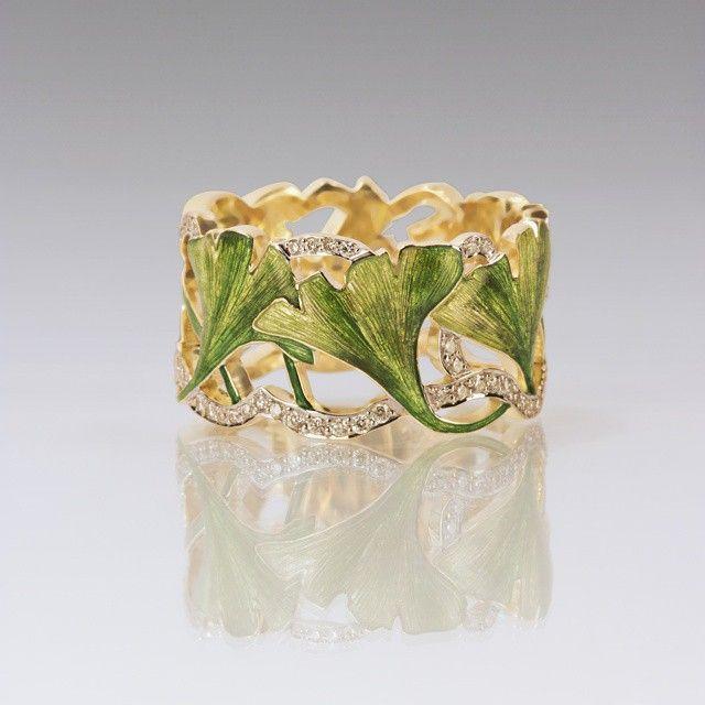 Ginkgo ring by Ilgiz Fazulzyanov