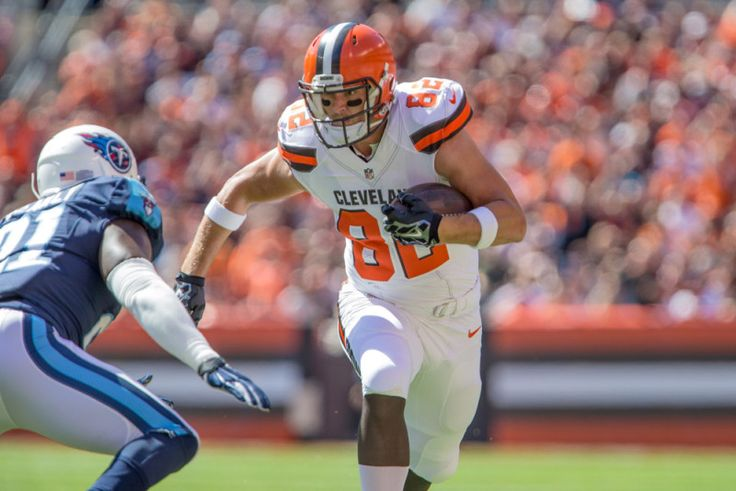 All aboard the Gary Barnidge bandwagon - For seven long years, Gary Barnidge toiled aimlessly within the chambers of pro football anonymity. After spending four seasons with the Carolina Panthers, who selected him in the fifth-round in the 2008 NFL Draft, the 6-foot-6, 250-pound beast out of Louisville continued.....