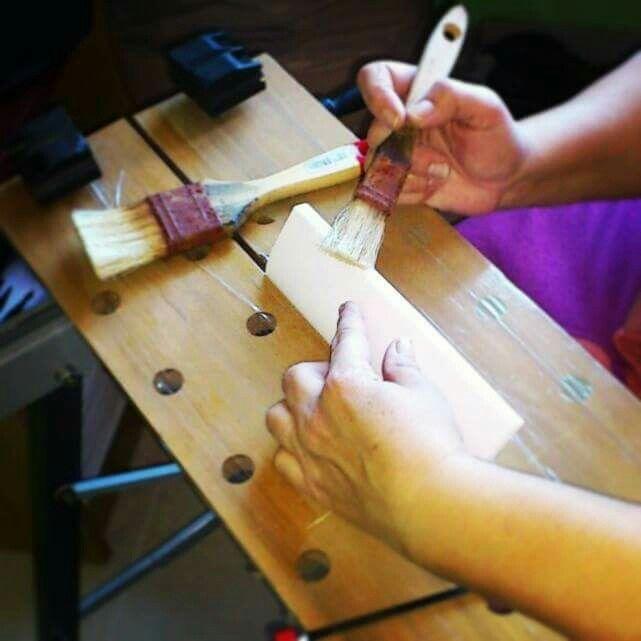 Proceso artesanal de nuestros libros de firmas www.trocitosdeboda.com