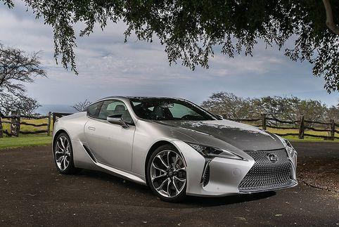 Lexus LC превратят в конкурента «заряженному» Nissan GT-R   Фото: Motor.ru    Компания Lexus разрабатывает «заряженную» F-версию своего флагманского купе LC. Такая модификация модели, как ожидает японский автопроизводитель, сможет побороться за покупателей с Mercedes-AMG GT R и Nissan GT-R N
