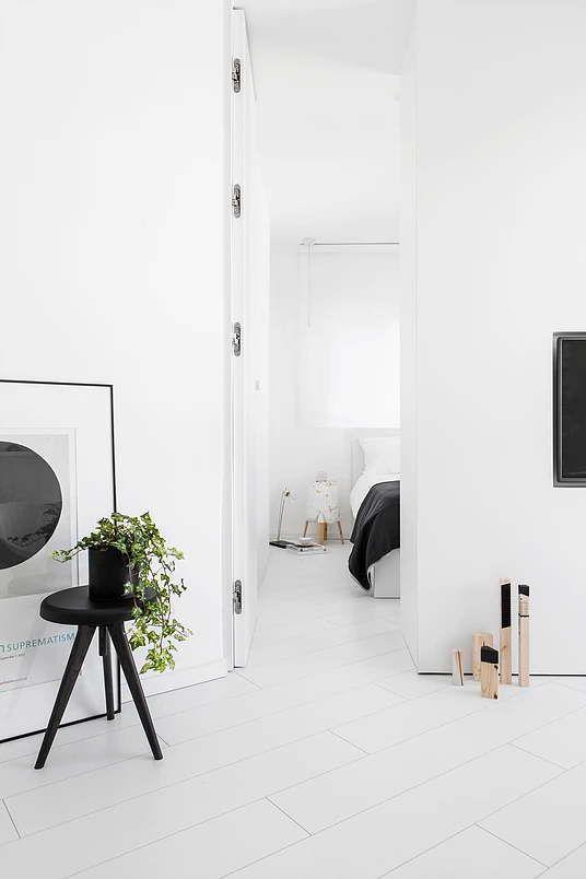 10 fehér lakás ahol nem csak a falak fehérek,  #bútor #eklektika #eklektikus #elegáns #elképesztő #fal #fehér #futurisztikus #ház #inspiráció #japán #kislakás #klasszikus #lakás #lakberendezés #luxus #minimal #minimalista #modern #ötlet #skandináv #stílus #villa, https://www.otthon24.hu/10-feher-lakas-nem-csak-a-falak-feherek/