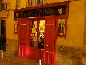 Bares y discotecas para salir Madrid. Tapas y bares Madrid. Bares de moda Madrid. Restaurantes con encanto Madrid. Ruta de bares Madrid.