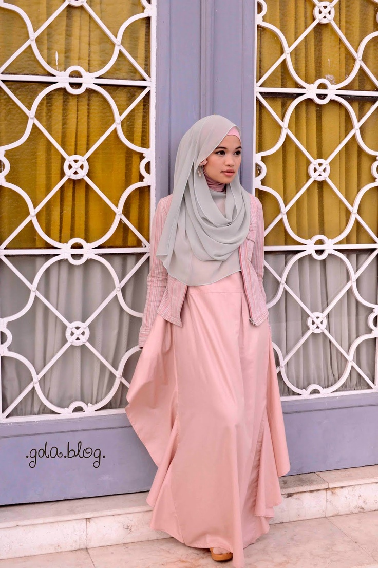 love the dress, love the hijab, love the windows