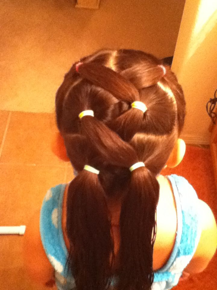 Crisscross girl's hair...I have to do this on the girls' hair!