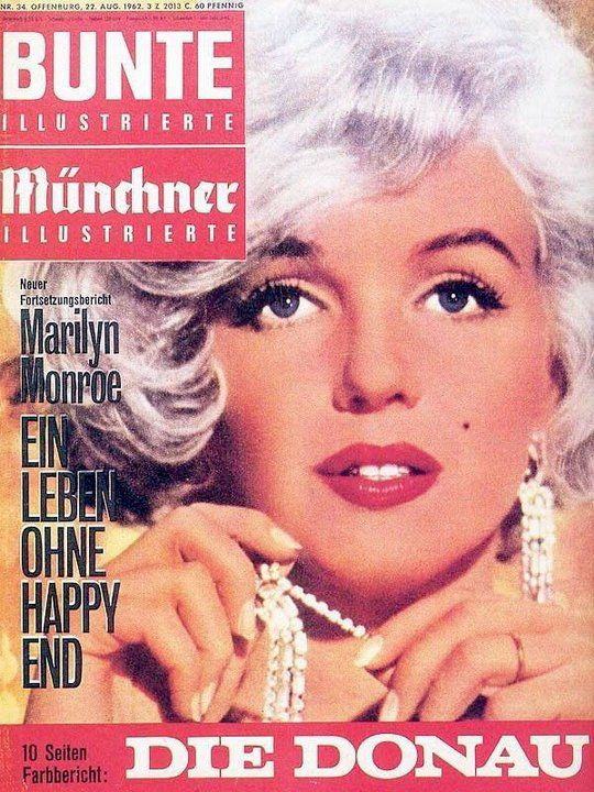 Bunte Illustrierte - August 22nd 1962, magazine from Germany. Front cover photo of Marilyn Monroe by Richard Avedon, 1959