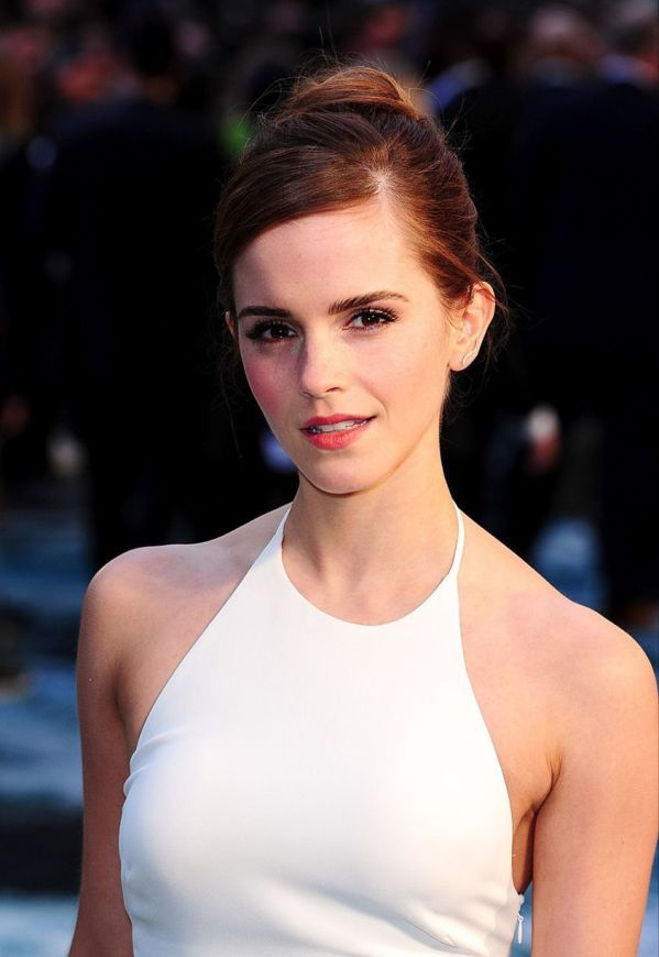 Emma Watson is the definition of stylish,Emma Watson arrive at Noah premiere in white dresses