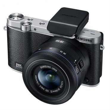 Câmera Digital Samsung Smart NX3000 Preto, Sensor APS-C CMOS de 20.3 MP, Display articulado HVGA de 3.0, Wi-Fi, Lente NX 20-50mm e Auto Foco