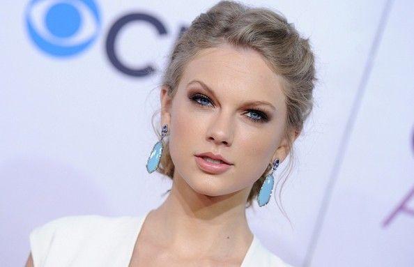 Taylor Swift Photos - People's Choice Awards 2013 - Zimbio