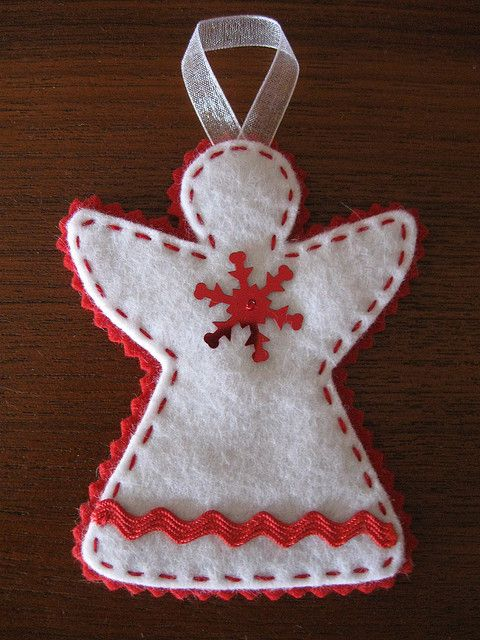 Red and White Angel Ornament, I like the felt and the fact that it is simple but can be very different depending on how you decorate them.