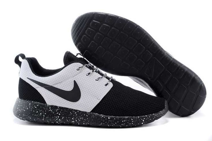 Black Friday - Nike Roshe Run 2015 Mesh Black White Couple