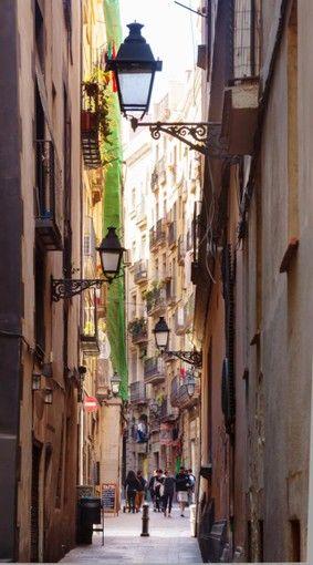 バルセロナのおすすめ観光スポット 魅力的な町並みのゴシック地区