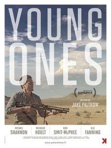 """YOUNG ONES Premesso che Shannon è uno dei più grandi e sottovalutati attori contemporanei, il film è una piacevole rivisitazione del genere western in chiave post apocalittica, senza fronzoli – leggi CGI – né banalità. La sceneggiatura non è certo delle più originali, eppure, grazie alle ottime interpretazioni e alla regia ispirata, tutto funziona a dovere. RSVP: """"The Rover"""", """"The Road"""". Voto: 7,5."""