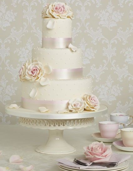 www.weddbook.com everything about wedding ♥ Special Fondant Wedding Cakes ♥ Yummy Wedding Cake #vintage #rose