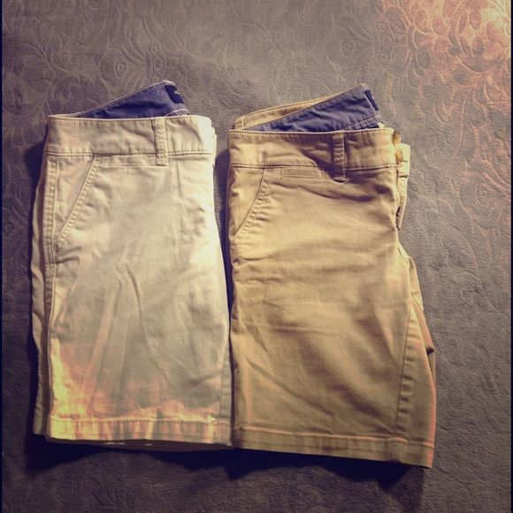 2 American Eagle Shorts Bundle of 2 nice kahki Bermuda shorts from AE. Like new condition, no stains. Perfect for school  American Eagle Outfitters Shorts Bermudas