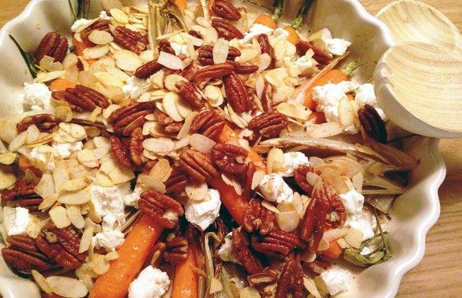 Culy Homemade: geroosterde witlof  bospeen met noten, geitenkaas en honing. Echt heel lekker en apart.  Ruim honing gebruiken en ras el hanout ook toevoegen bij het kruiden van de noten. Heerlijk. De gekruide noten zijn ook geschikt als borrel snack.