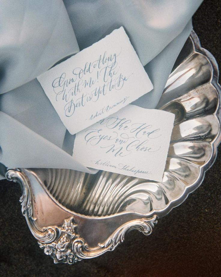 3 of my all time favorite items  for simpe styling: 1. Vintage trays 2. Soft fabric 3. Beautiful handmade paper Oh and of course background! .  @erichmcvey for @thinkofastar . . #vhcalligraphy #truffypi #calligraphystyling #moderncalligraphy