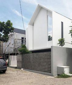 """""""WA house by #dasadani #architecture #arsitek #interior #design #desain #lightroom #house #rumah #archdaily #archviz #arsitektur #modern #indonesia…"""""""