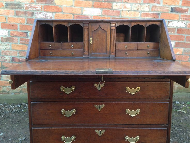 18th century oak bureau – Daniel Chapman antique furniture restoration