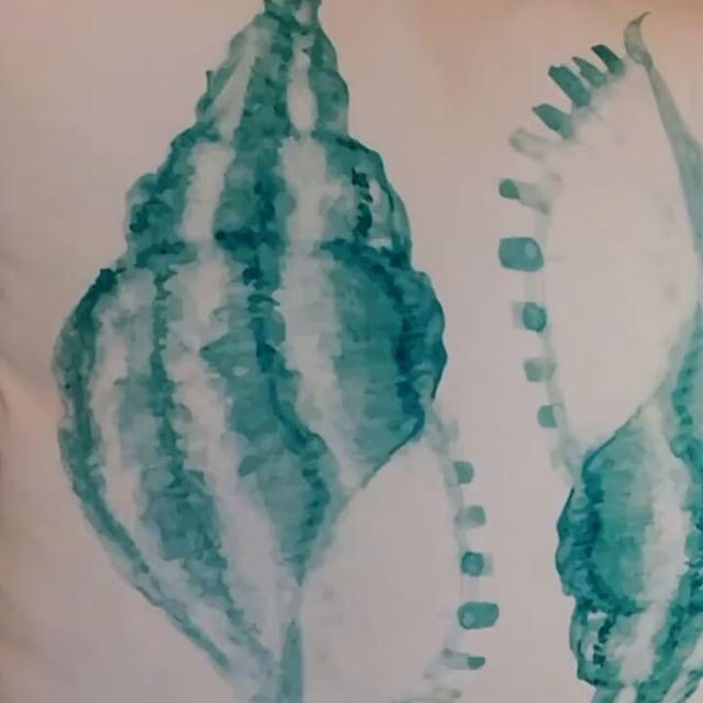 Marine desenleriyle güne merhaba �� #marine #marina #dekor #tekne #deniz #yastik #kirlent #yazlık #bahçe #balkon #dekorasyon #dekoratifkırlent #evdekorasyonu #dekorasyonfikirleri #yastikkilifi #kirlentkilifi #yaz #deniz #villa #avlu #bahçedekorasyonu #balkondekorasyonu #tropikal http://turkrazzi.com/ipost/1517304146225641924/?code=BUOjBT8AbnE