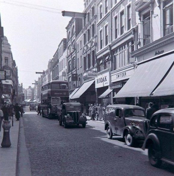 Grafton Street, way back in 1956. Via www.facebook.com/graftonstreet.ie #dublin #lovedublin #olddublin #graftonstreet