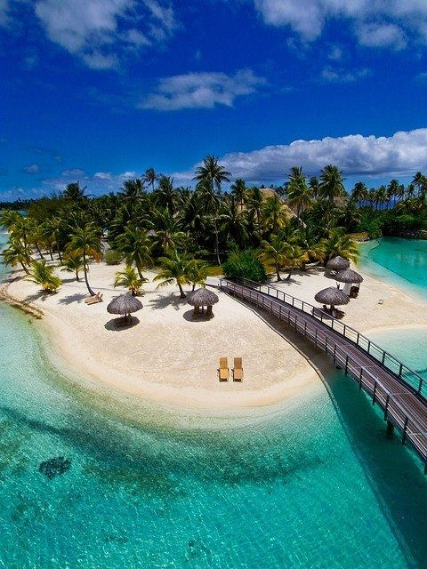 ボラボラ島は、タヒチから近いフランス領の島