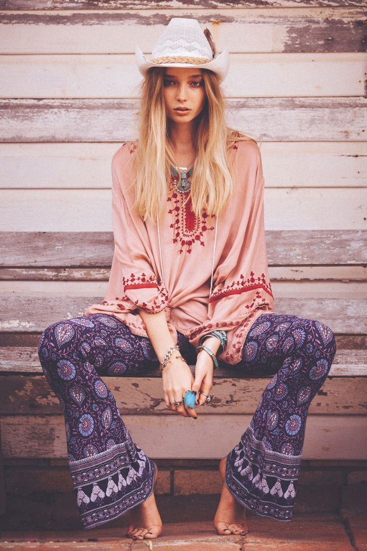 boho hippie style clothing for women hippie fashion printed pants and bell bottoms. Black Bedroom Furniture Sets. Home Design Ideas
