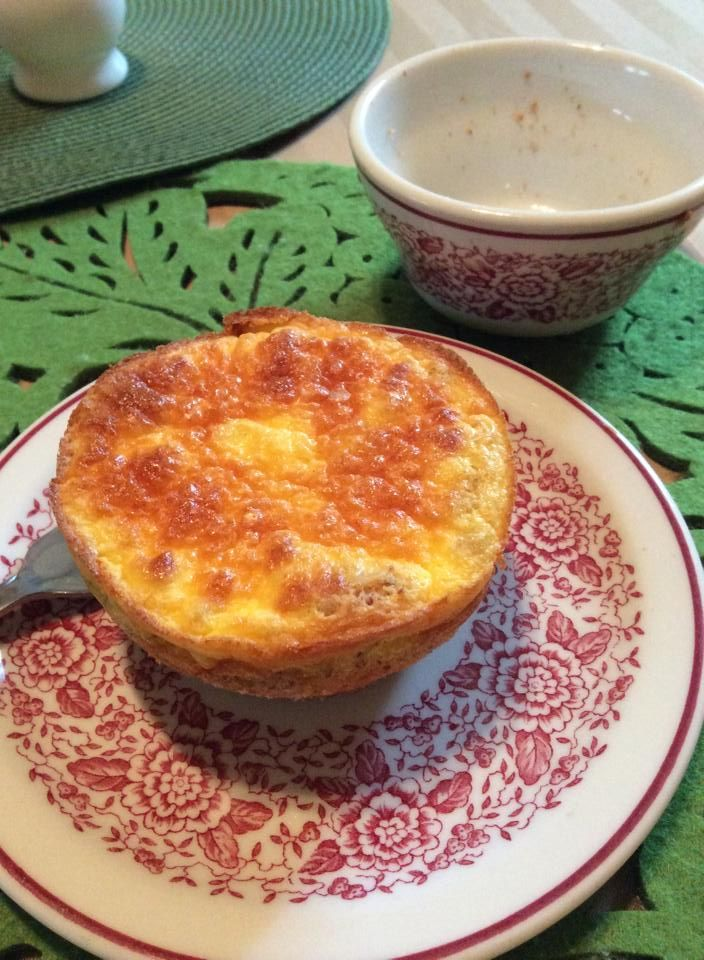 Single Serve Quiche  Filling: One egg 2 tablespoons half-and-half 1 ounce 1/3 fat cream cheese  Pastry: 3 tablespoons almond meal 1 tablespoon butter Pinch of salt