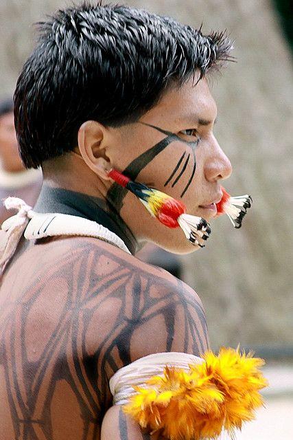 Indios Kuikuros  Brasil