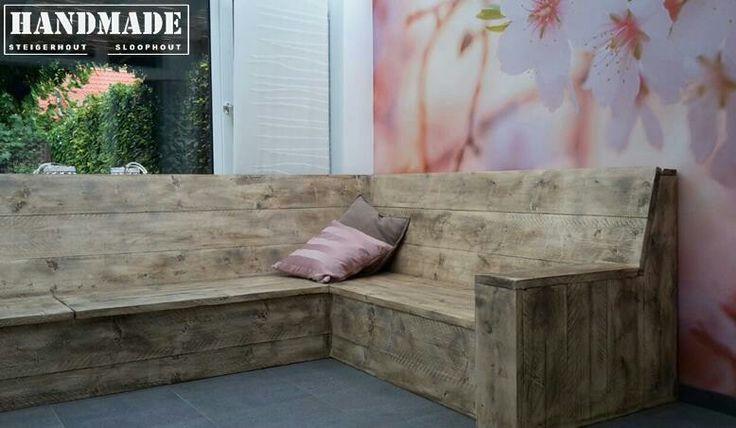 Loungebank steigerhout met scharnierende zittingen voor extra opbergruimte.  Handmade WJ