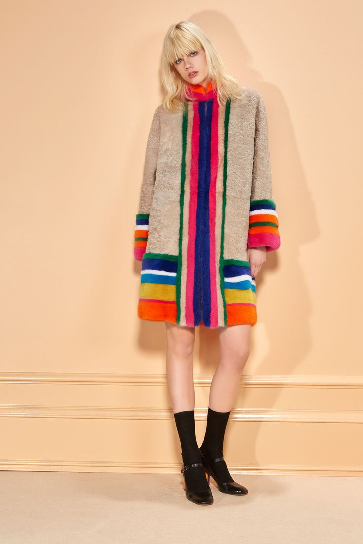 See the complete Missoni Pre-Fall 2016 collection.