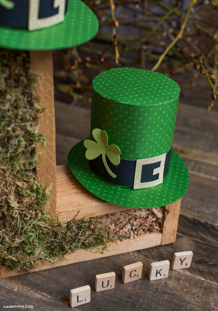 St. Patrick's Day Top Hat- papercrafts