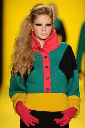 Bright Jacket Lacoste 2010
