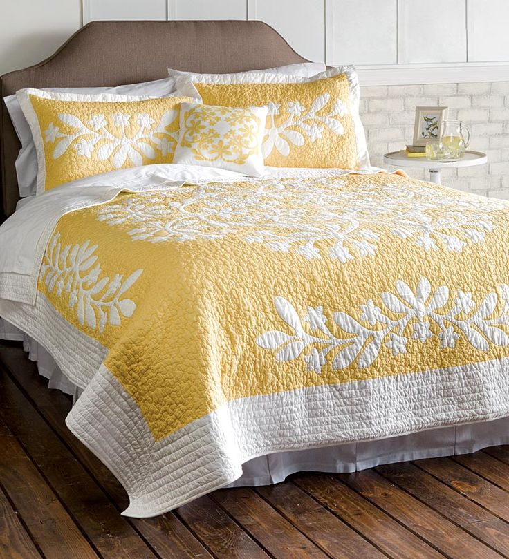 Kayla Hand Guided Yellow and White Quilt - Dealers site -  Love to do this in Blue...