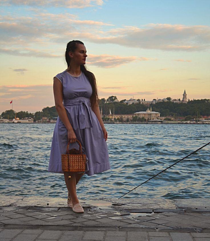 Fashion blogger #istanbul #stripedress @elenatasci
