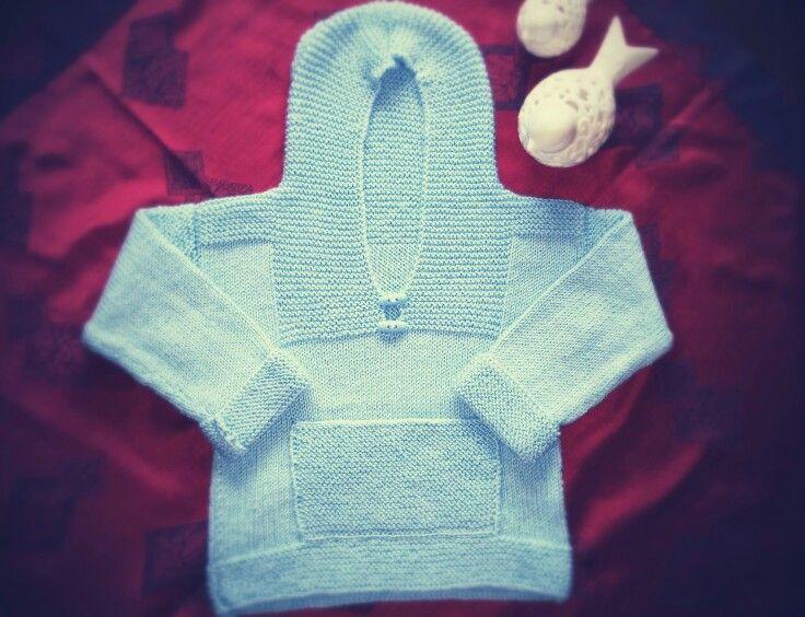 Kapişonlu bebek kazağı