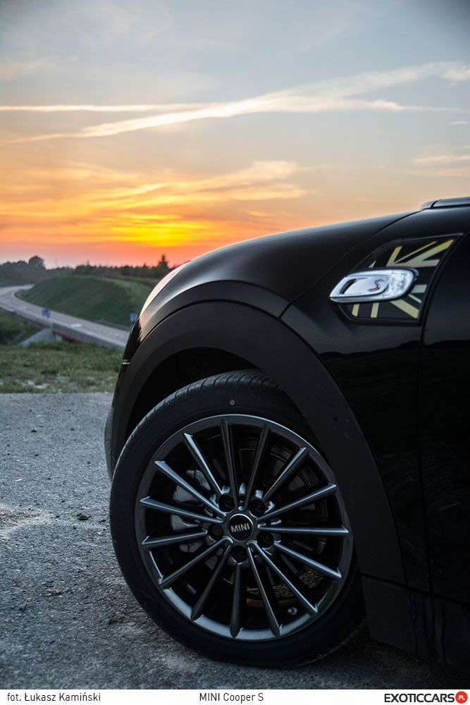 Brand new Mini Cooper S in our review: http://exoticcars.pl/testy/mini-cooper-s/