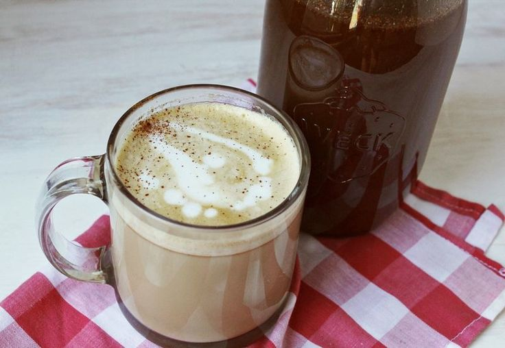 How to Make a Pumpkin Spice Latte at Home, Because Starbucks Is Overrated
