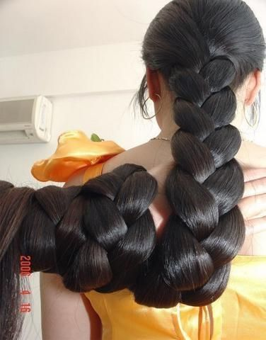 Thick braid wrapped around hand by Chotlo, via Flickr: Dark Hair, Braids Wraps, Thick Braids, Amazing Hairdos, Long Braids, Hair Style, Beautiful Hair, Long Hair Braids, Hair Inspiration