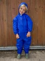 Waterproof overall, regenoverall - blauw. Het ultieme kinderregenpak dat tegen een stootje kan