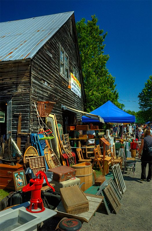 Finnegan's Market. Hudson, Quebec. A Summer Saturday morning favourite. Fabulous finds here!