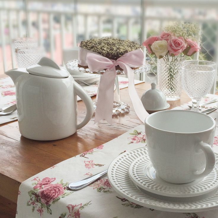 Mesa posta. Decor. Chá da tarde. Café da Manhã. Table setting idea. Tableware. Breakfast. Tablescape