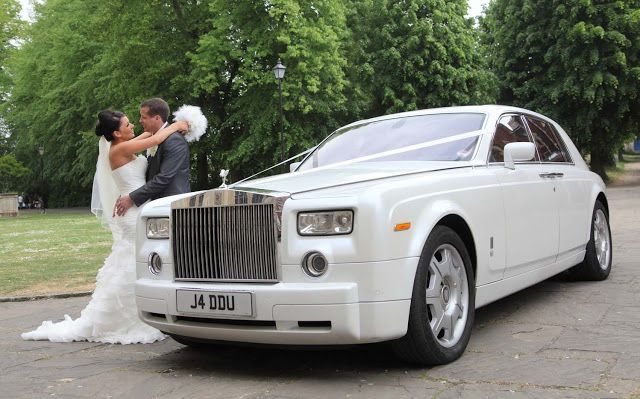 These service providers have a wide fleet of luxury cars of latest model that can be hired by any customer. These vehicles are best suited to hire for the special occasions like the wedding day, as it will provide the most pleasurable ride to the couple