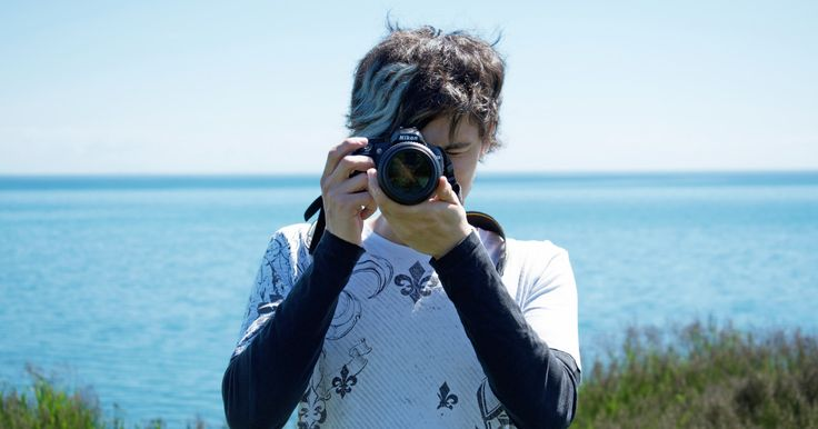 A new, simple, online platform that helps great photographers turn their pictures into profits.