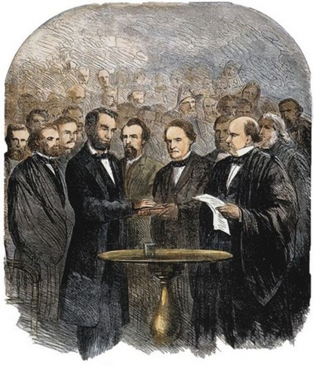 the use of allusions to the bible in president abraham lincolns gettysburg address While it has long been determined that abraham lincoln's writings were influenced by the king james bible, until now no full-length study has shown the precise ways in which the gettysburg address uses its specific language.