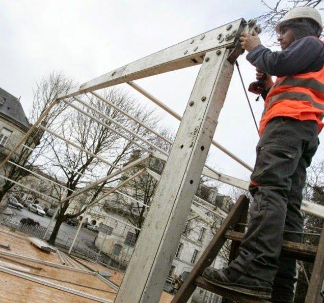 ouvrier roumain: ANGAJAM  MONTATOR STANDURI SI CORTURI INDUSTRIALE